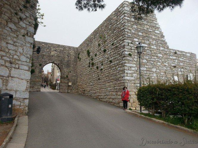 Porta Trapani, uma das três portas de acesso ao centro de Erice