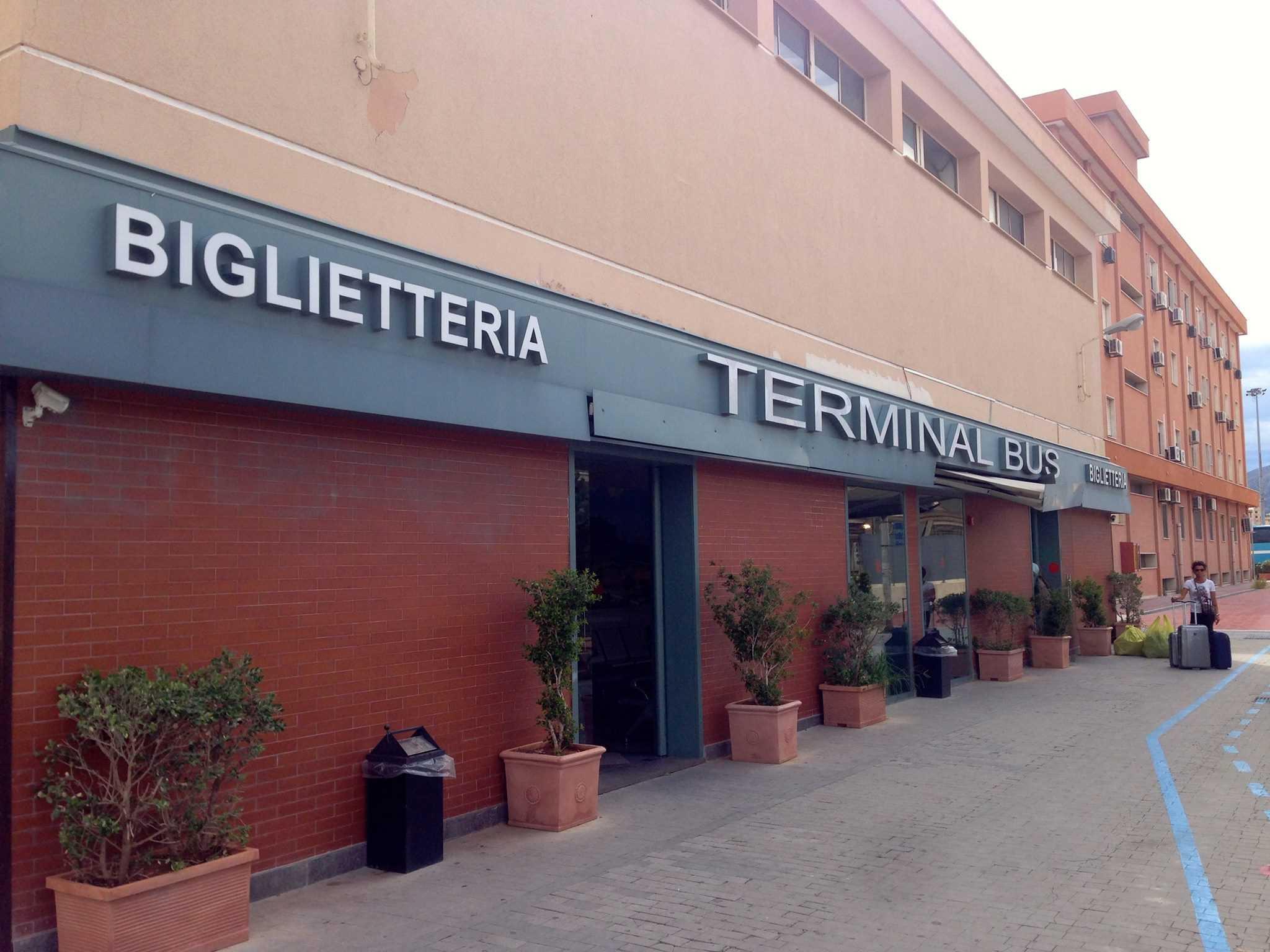 Ônibus na Sicília: principais linhas interurbanas ...