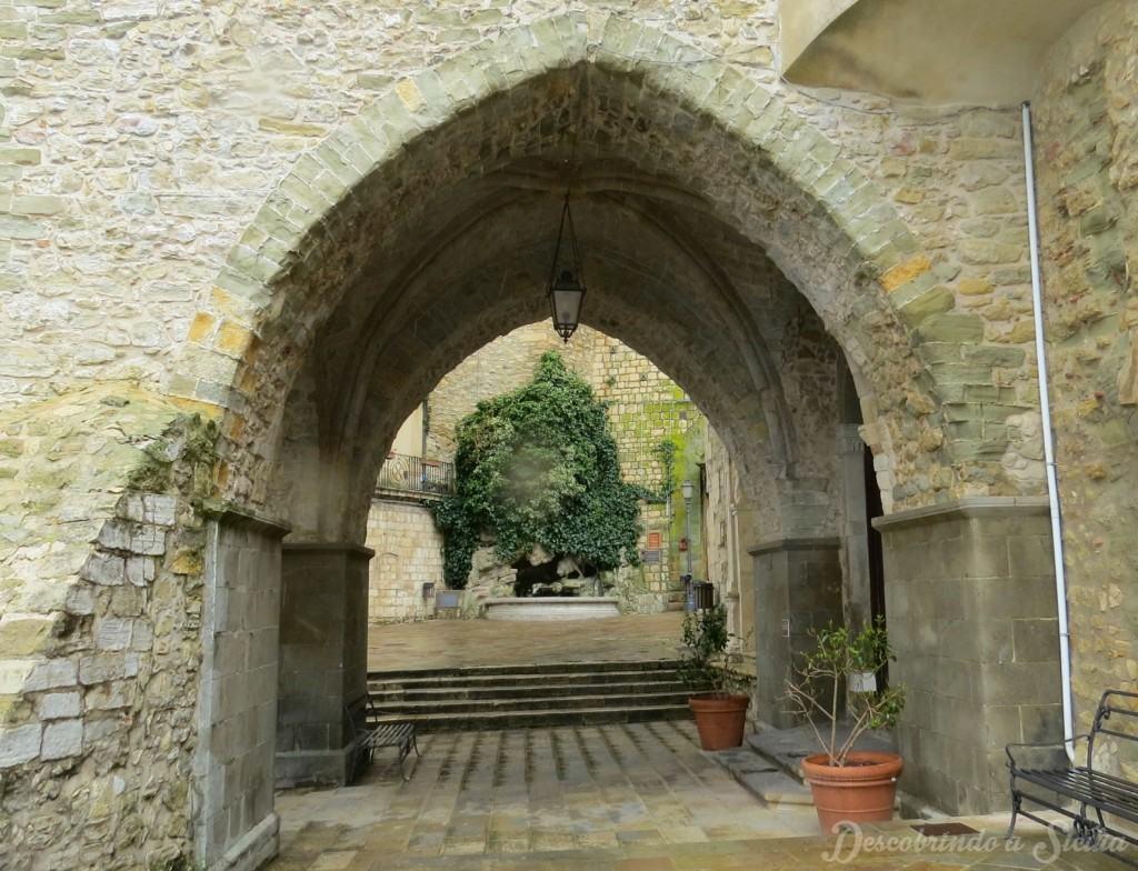 Arco Torre dei Ventimiglia, Gangi