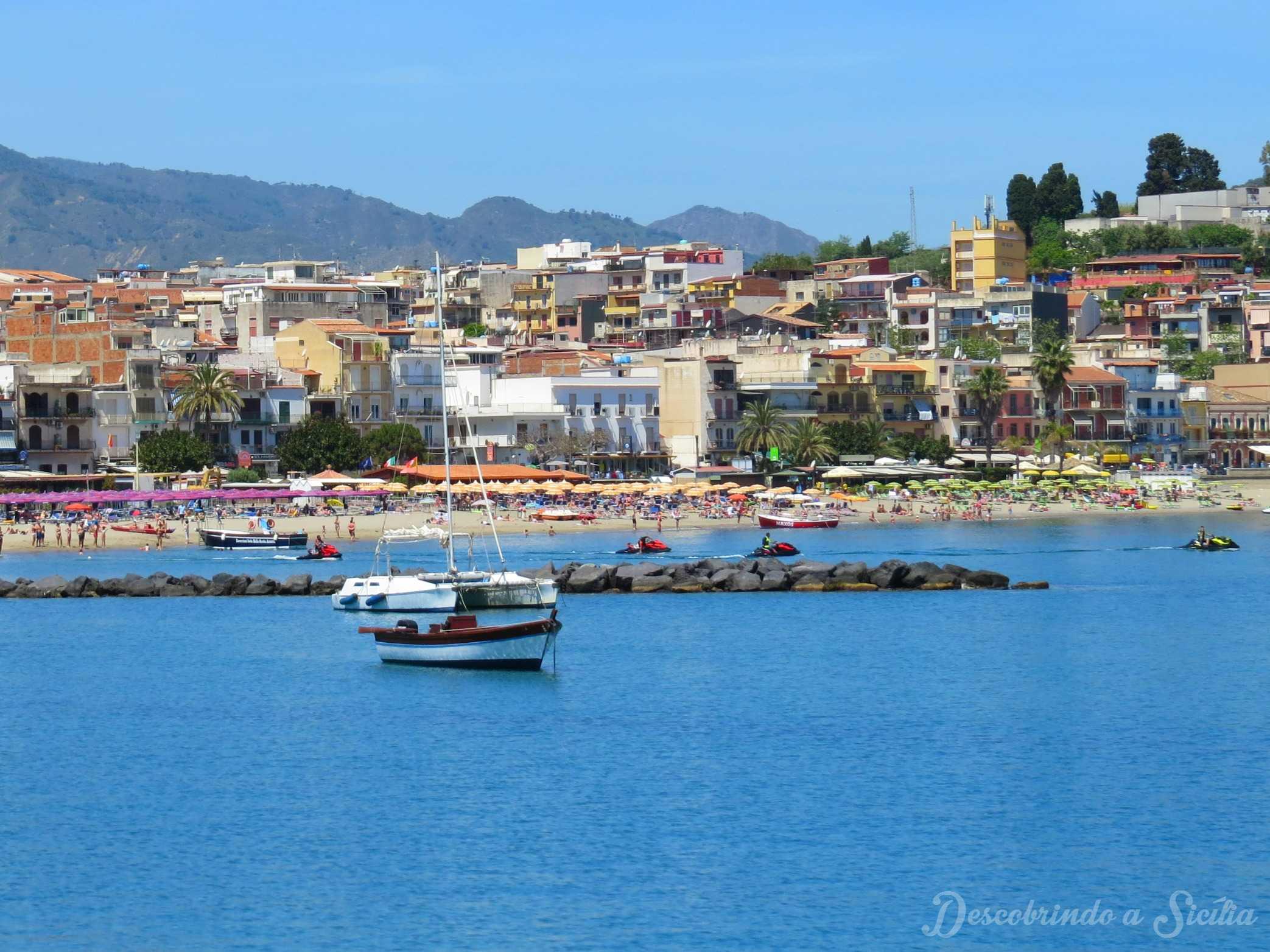 Giardini Naxos: Explorando os arredores de Taormina