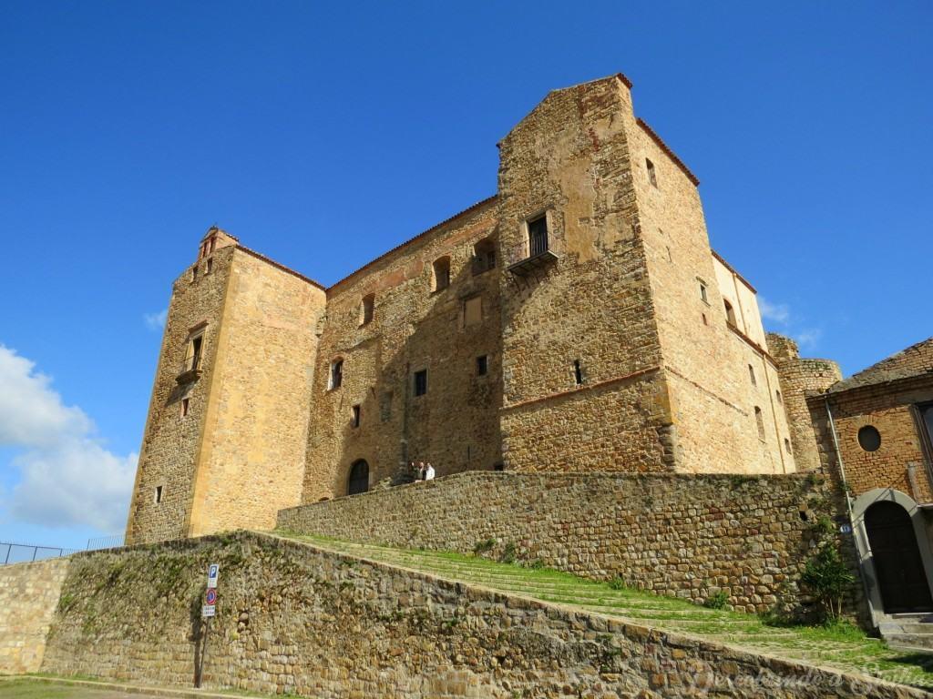 Catelbuono, Sicília: o castelo