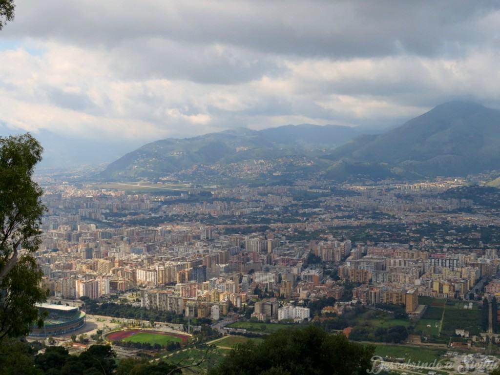 Palermo vista da estrada que leva ao santuário de Santa Rosalia