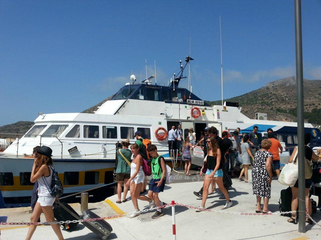 Barco para Favignana