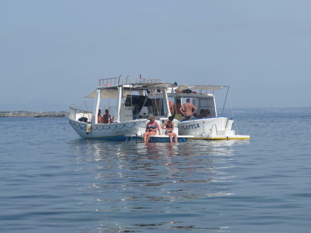 Passeio de barco em Favignana
