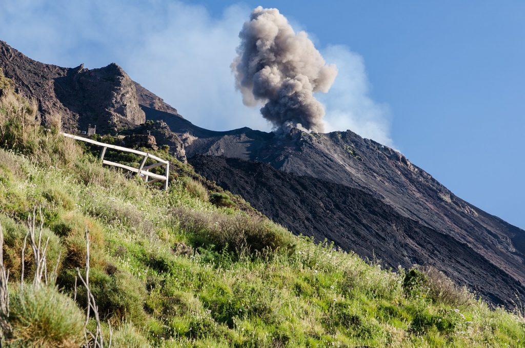 vulcão stromboli